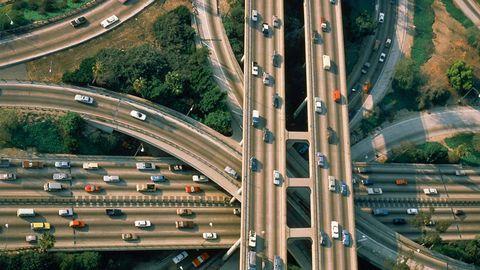 Motor vehicle, Road, Mode of transport, Transport, Road surface, Highway, Street, Infrastructure, Lane, Landscape,