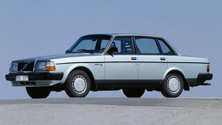 Clic Volvo 240 - Popular Volvo 240 History