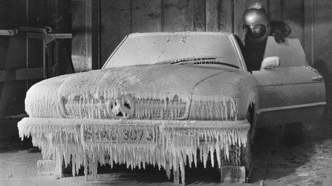 Automotive exterior, Hood, Monochrome, Classic car, Monochrome photography, Bumper, Black-and-white, Freezing, Kit car, Synthetic rubber,