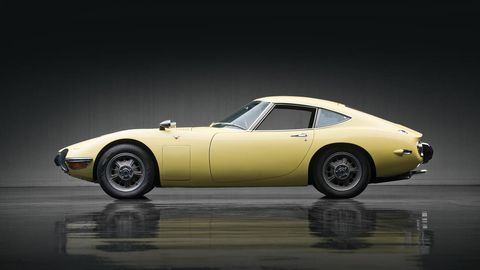 1967 Toyota 2000gt Brings Home 1 15 Million