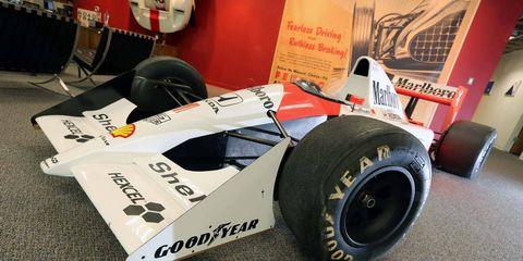 Tire, Wheel, Automotive tire, Automotive design, Open-wheel car, Formula one tyres, Automotive wheel system, Formula one car, Formula one, Race car,