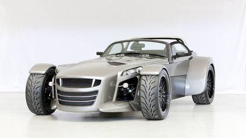 Tire, Wheel, Motor vehicle, Automotive design, Automotive tire, Vehicle, Automotive wheel system, Automotive exterior, Transport, Rim,