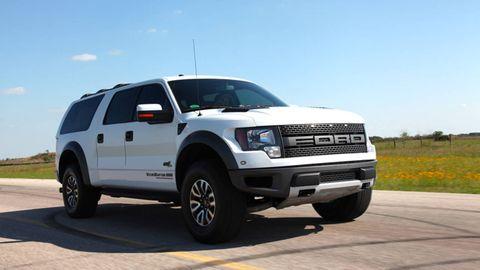 Tire, Motor vehicle, Wheel, Automotive tire, Automotive design, Automotive exterior, Transport, Vehicle, Natural environment, Rim,