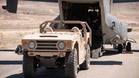 Motor vehicle, Tire, Wheel, Mode of transport, Automotive tire, Automotive design, Transport, Vehicle, Military vehicle, Automotive exterior,
