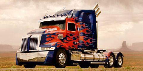 Motor vehicle, Tire, Wheel, Mode of transport, Automotive tire, Automotive design, Transport, Vehicle, Automotive exterior, Rim,