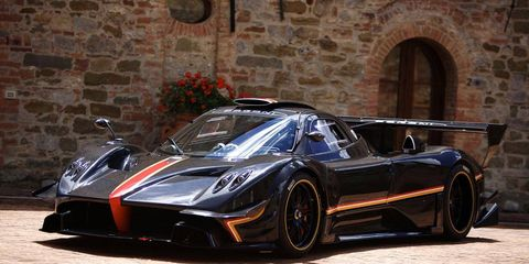 Automotive design, Mode of transport, Vehicle, Rim, Supercar, Car, Sports car, Fender, Performance car, Alloy wheel,