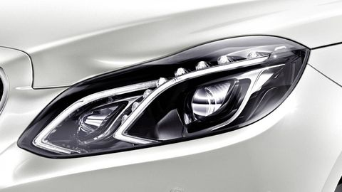 Automotive design, Automotive lighting, Headlamp, White, Light, Grey, Automotive light bulb, Hood, Personal luxury car, Luxury vehicle,