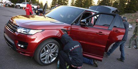 Tire, Wheel, Vehicle, Land vehicle, Automotive design, Car, Automotive lighting, Automotive exterior, Fender, Automotive tire,