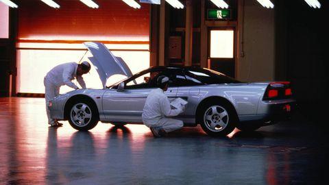 Tire, Wheel, Automotive design, Vehicle, Automotive tire, Land vehicle, Rim, Car, Vehicle door, Automotive wheel system,