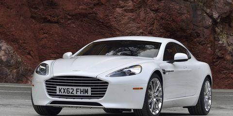 Tire, Automotive design, Mode of transport, Vehicle, Rim, Car, Headlamp, Fender, Alloy wheel, Automotive lighting,