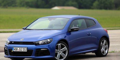Motor vehicle, Tire, Wheel, Mode of transport, Automotive design, Blue, Daytime, Vehicle, Transport, Land vehicle,