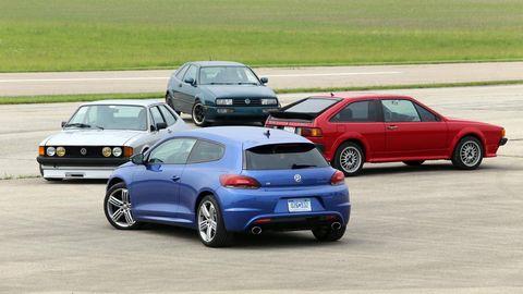 Tire, Wheel, Automotive design, Land vehicle, Vehicle, Car, Automotive parking light, Automotive mirror, Alloy wheel, Rim,