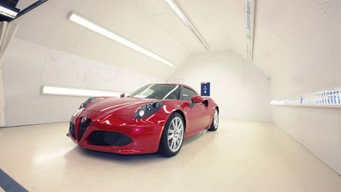 Motor vehicle, Automotive design, Mode of transport, Vehicle, Automotive lighting, Land vehicle, Performance car, Rim, Car, Alloy wheel,