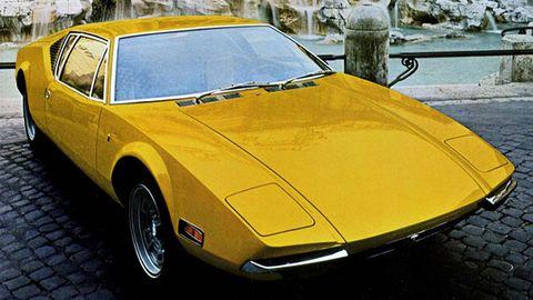 Tire, Mode of transport, Vehicle, Yellow, Land vehicle, Car, Automotive parking light, Hood, Fender, Classic car,