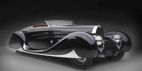 Motor vehicle, Automotive design, Mode of transport, Land vehicle, Automotive lighting, Car, Automotive exterior, Vehicle door, Automotive mirror, Classic,