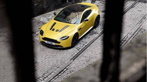 Tire, Wheel, Automotive design, Vehicle, Yellow, Rim, Headlamp, Automotive lighting, Performance car, Car,