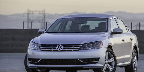 Automotive design, Vehicle, Transport, Land vehicle, Headlamp, Automotive lighting, Car, Grille, Automotive mirror, Automotive tire,