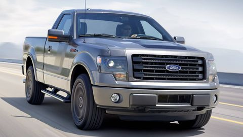 Motor vehicle, Wheel, Automotive tire, Transport, Vehicle, Land vehicle, Automotive design, Hood, Rim, Automotive parking light,