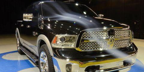 Motor vehicle, Automotive design, Product, Vehicle, Automotive tire, Headlamp, Automotive lighting, Hood, Grille, Automotive exterior,