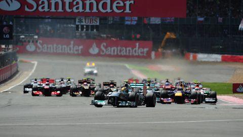 Tire, Motor vehicle, Automotive tire, Automotive design, Open-wheel car, Vehicle, Sport venue, Formula one tyres, Race track, Motorsport,