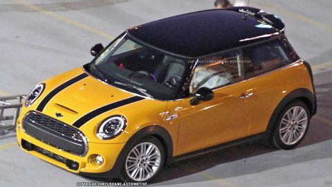 Motor vehicle, Tire, Wheel, Automotive design, Automotive mirror, Mode of transport, Yellow, Vehicle, Hood, Automotive exterior,
