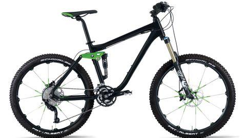 Bicycle wheel, Bicycle tire, Bicycle frame, Wheel, Bicycle fork, Bicycle wheel rim, Bicycle part, Crankset, Spoke, Bicycle stem,