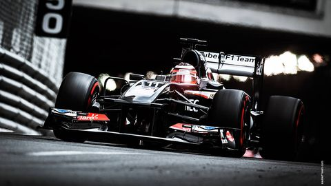 Tire, Automotive tire, Automotive design, Open-wheel car, Formula one tyres, Formula one car, Automotive exterior, Automotive wheel system, Formula one, Car,