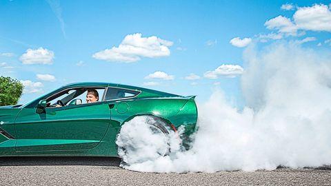 Tire, Automotive design, Sky, Vehicle, Land vehicle, Vehicle door, Car, Automotive exterior, Fender, Cumulus,