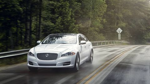 Road, Automotive design, Vehicle, Land vehicle, Infrastructure, Grille, Road surface, Automotive lighting, Car, Rim,