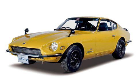 Tire, Wheel, Vehicle, Yellow, Automotive parking light, Transport, Automotive lighting, Hood, Headlamp, Car,