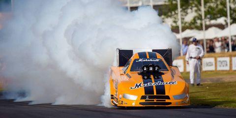 Automotive design, Hood, Performance car, Motorsport, Smoke, Touring car racing, Race car, Logo, Sports car, Auto racing,