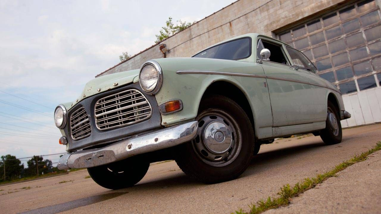 https://www roadandtrack com/new-cars/road-tests/reviews/a4986/drives-review-1967-volvo-122s-oskar/