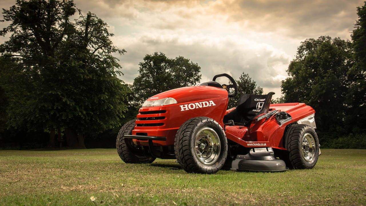 With A Little Help From The Companyu0027s British Touring Car Championship  (BTCC) Team, Honda U.K. Took One Of The Companyu0027s HF2620 Ride On Lawn Mowers  And ...