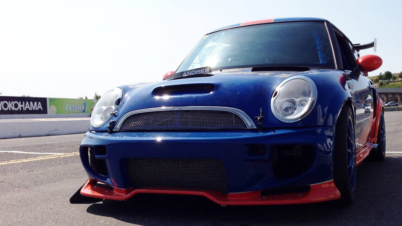 Twin-engined Mini Cooper S to Race at Thunderhilll - Twini Mini Race