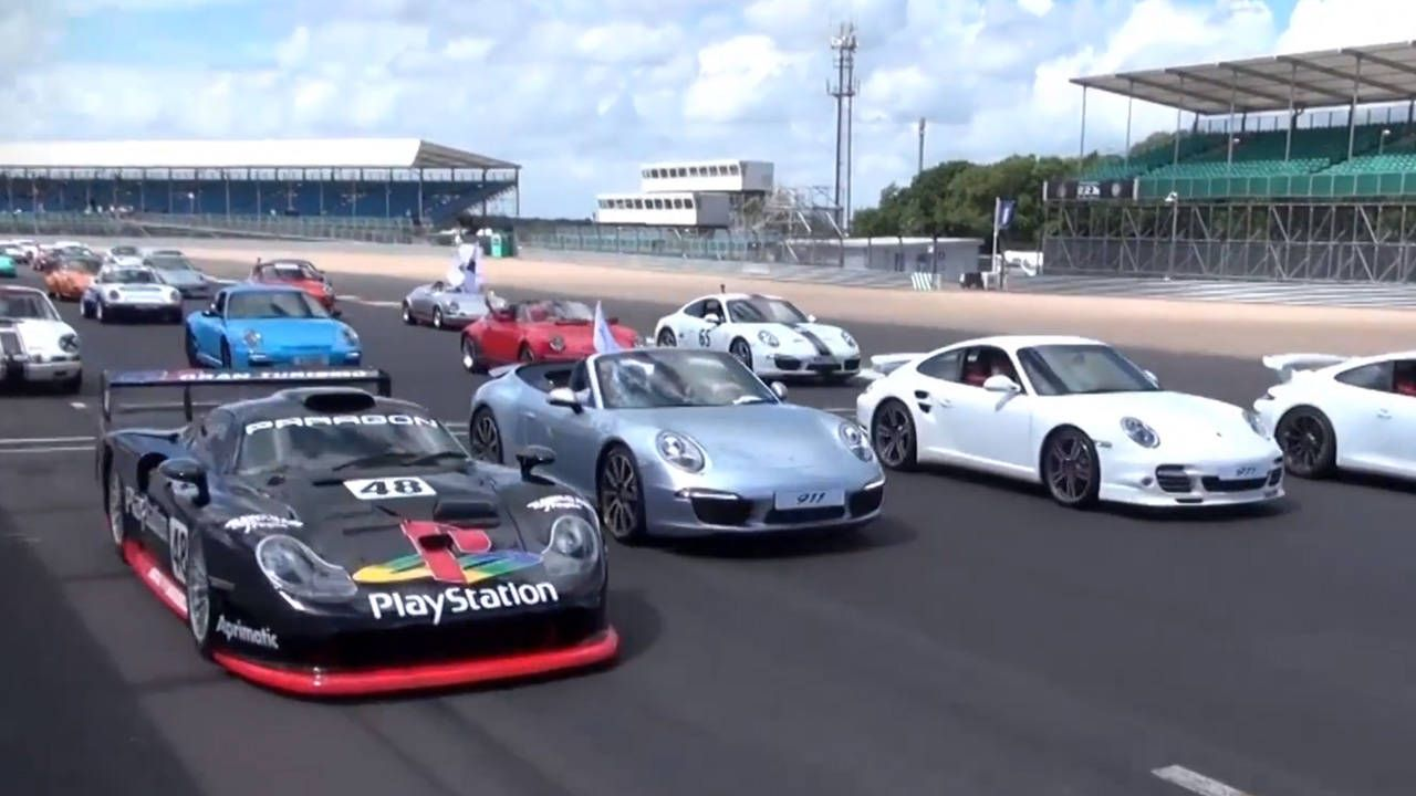 Porsche sets a world record with 1208 911 models at Silverstone