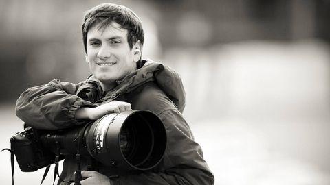 Single-lens reflex camera, Human, Camera, Photographer, Lens, Digital camera, Digital SLR, Film camera, Camera lens, Reflex camera,