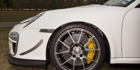 Tire, Wheel, Motor vehicle, Automotive design, Mode of transport, Automotive tire, Alloy wheel, Vehicle, Automotive wheel system, Rim,