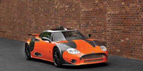 Automotive design, Vehicle, Automotive lighting, Headlamp, Land vehicle, Performance car, Car, Hood, Automotive parking light, Orange,