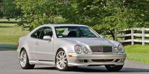 Tire, Wheel, Vehicle, Hood, Automotive design, Headlamp, Car, Rim, Grille, Automotive parking light,
