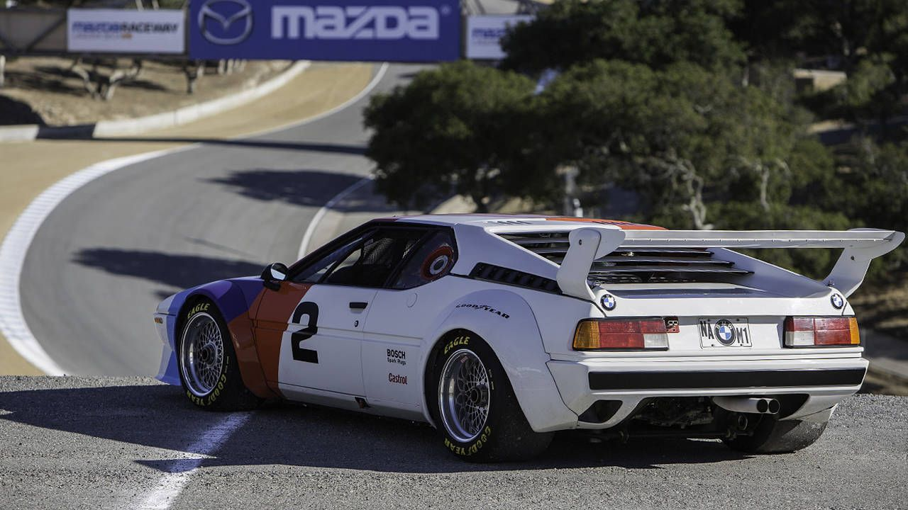 The BMW M1 wails the holiest of screams