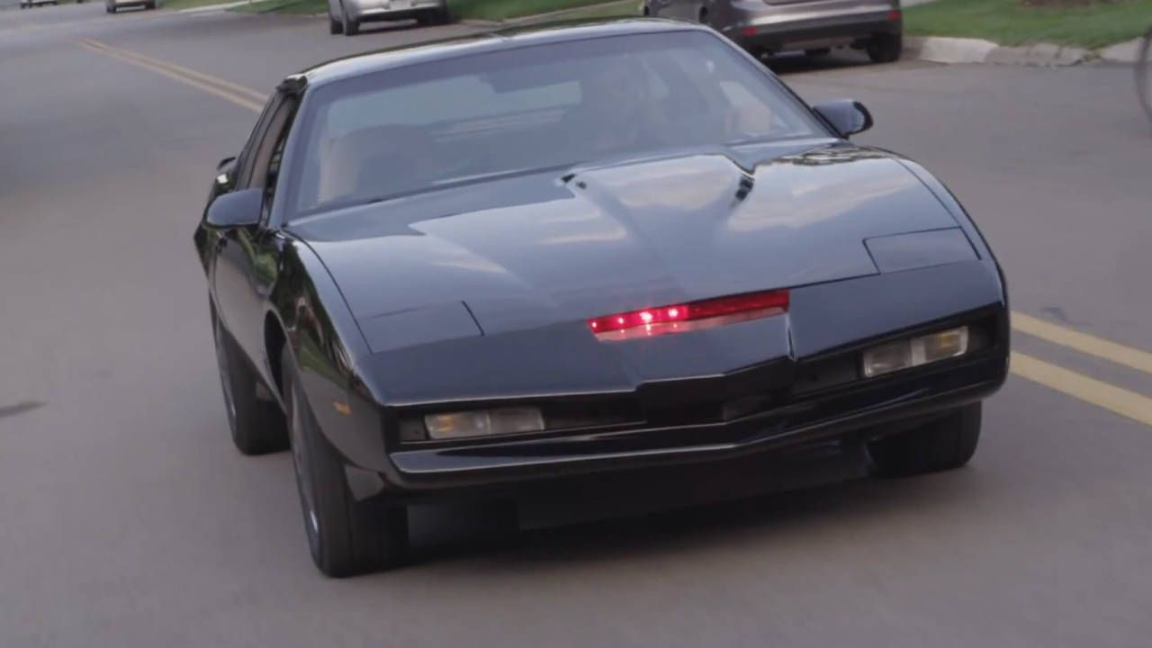 This ludicrously detailed KITT replica is awesome