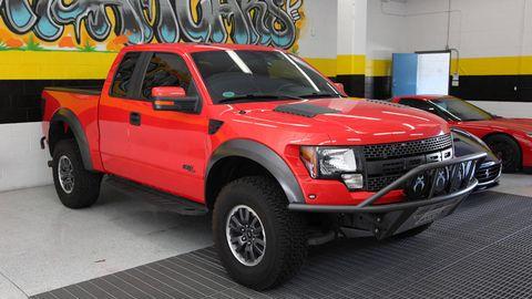 Motor vehicle, Tire, Vehicle, Land vehicle, Grille, Fender, Automotive lighting, Automotive tire, Hood, Pickup truck,