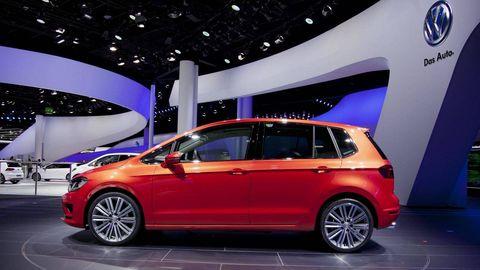 Volkswagen Golf Sportsvan Is A Weird Middle Child Frankfurt Motor Show