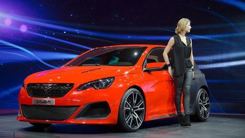 Tire, Wheel, Automotive design, Vehicle, Car, Grille, Alloy wheel, Rim, Mid-size car, Auto show,