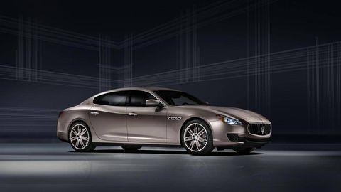 Automotive design, Mode of transport, Vehicle, Car, Personal luxury car, Automotive lighting, Performance car, Luxury vehicle, Alloy wheel, Rim,