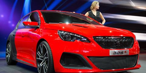Wheel, Automotive design, Vehicle, Event, Car, Grille, Red, Personal luxury car, Mid-size car, Alloy wheel,