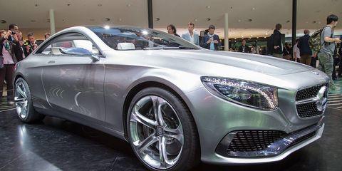 Wheel, Tire, Automotive design, Vehicle, Land vehicle, Car, Alloy wheel, Rim, Automotive wheel system, Grille,