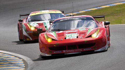 Tire, Automotive design, Vehicle, Sports car racing, Motorsport, Land vehicle, Race track, Car, Performance car, Racing,