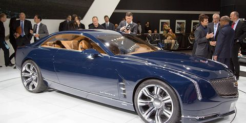 Tire, Wheel, Automotive design, Vehicle, Land vehicle, Car, Personal luxury car, Rim, Spoke, Fender,