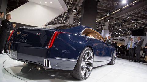 Wheel, Automotive design, Vehicle, Automotive tire, Car, Rim, Alloy wheel, Fender, Automotive lighting, Personal luxury car,